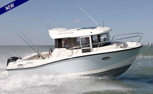 NEW! Quicksilver Captur 755 Pilothouse