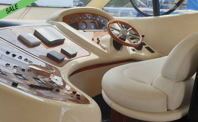 img_azimut_46_07-boat-for-sale