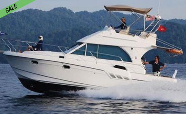 NOW ON SALE! Best Kept Beneteau Antares Flybridge!