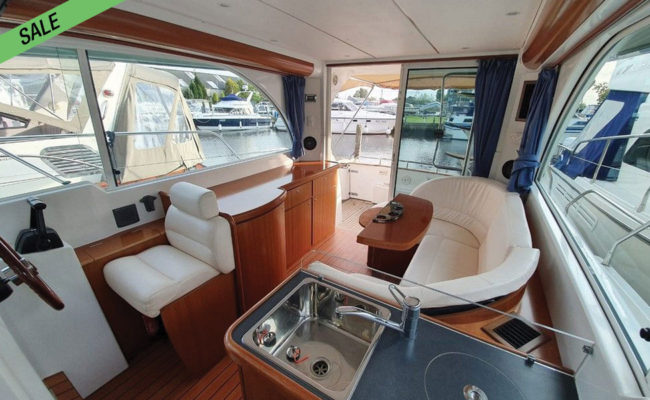 img_beneteau_antares_05-boat-for-sale